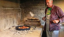 Ivica shows us the peka