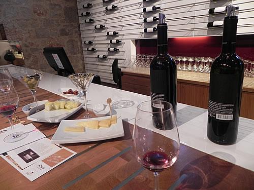 Tasting the wines