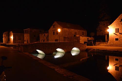 New underlighting for the bridges