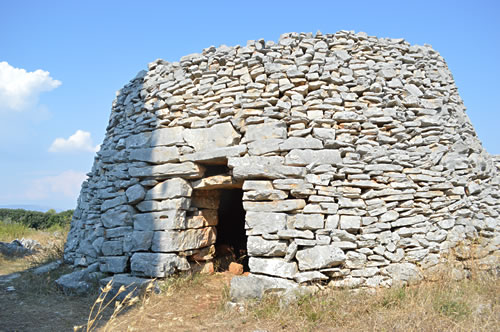 Veli Trim doorway looks west