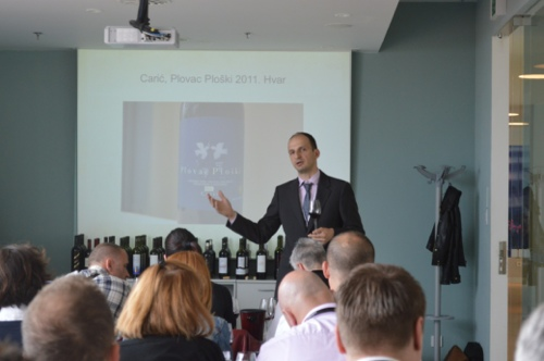Saša Špiranec guides us through a tasting of the 2011 harvest