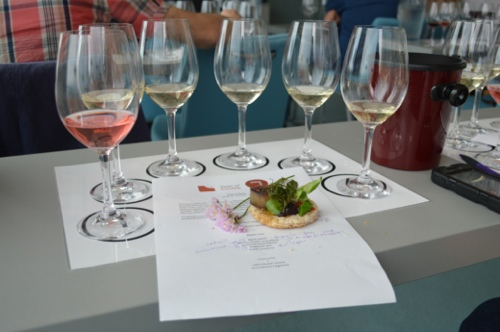 Fjaka wine and food pairing