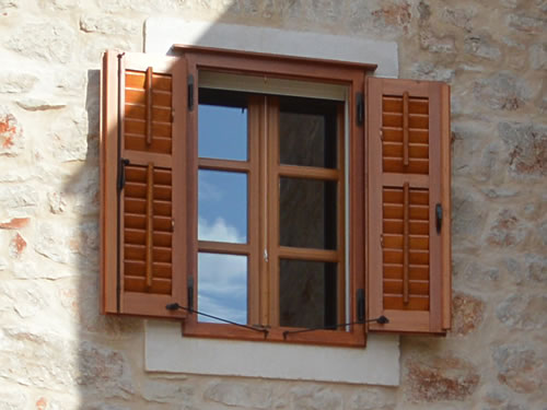 Window with grilje