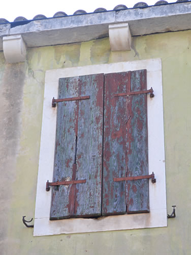 Old shutters in Vrisnik