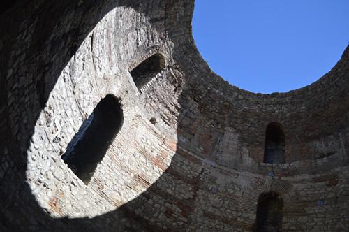 Peristil dome