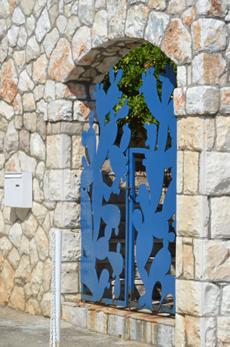 Villa Meneghello blue gate