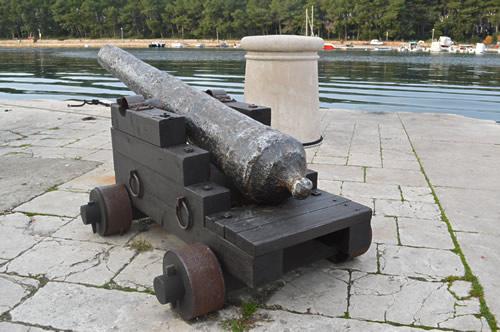 Cannon, Stari Grad