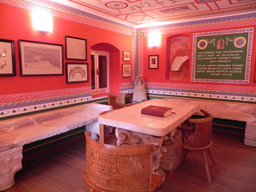 Tusculum roman style room