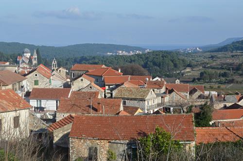 Red Roofs, Svirče