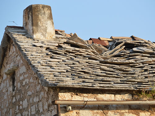 Old Roofs Stone Roof &.terrafic Brown Triangle Modern Stone Stacked