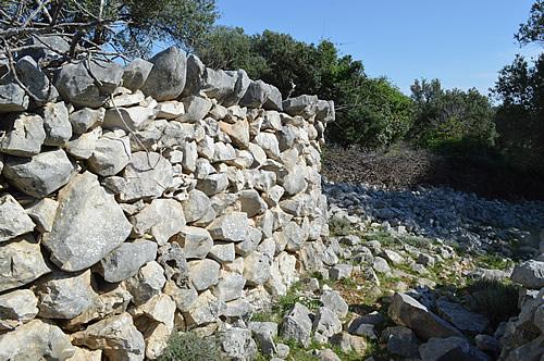 Lun drystone wall
