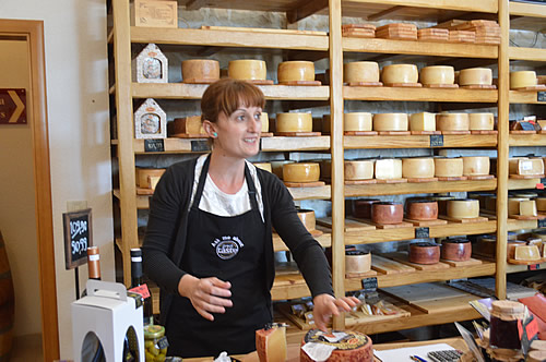 Sirana Gligora cheese shop
