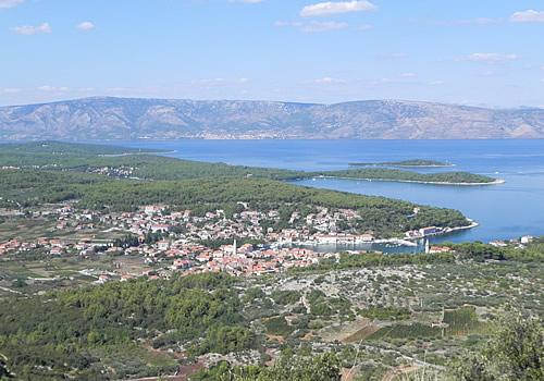 Jelsa, the port of Pitve