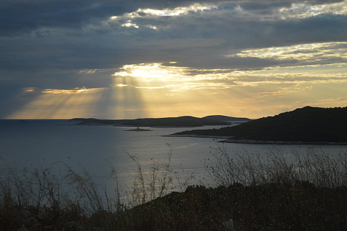 Sunset rays over the Pakleni islands