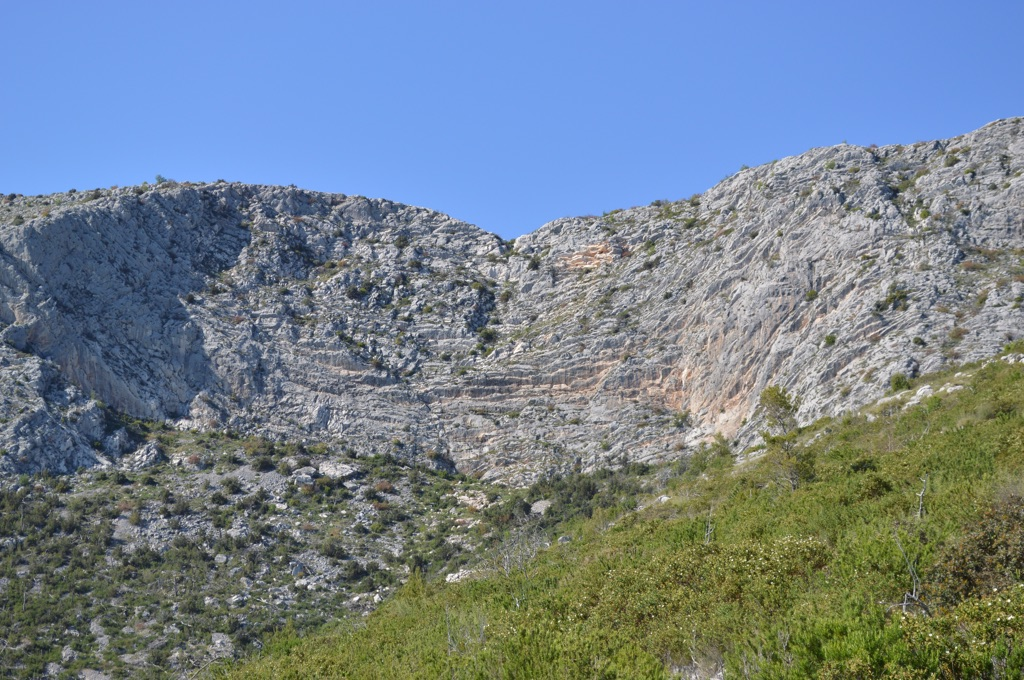 See that notch in the rock? That's where the donkey trail crosses!