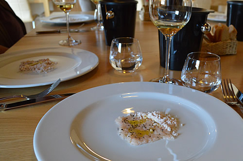 Pošip 2015 with tartare of fresh prawn and powder of fried prawns with a touch of black pepper and drizzle of olive oil