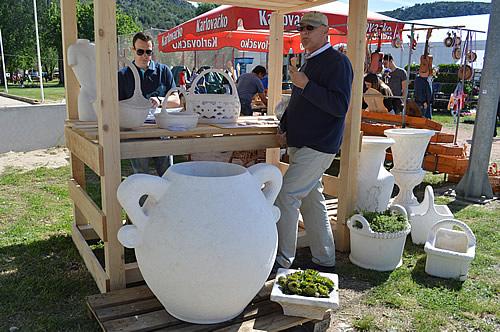 Stone olive jar - I want one!
