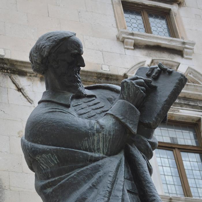 Marko Marulić statue