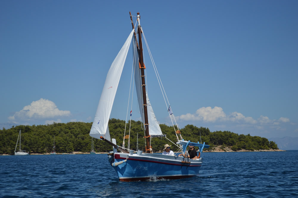 Marcellina - two sails