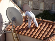 Dish installer