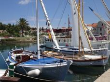 Latin-rig sails