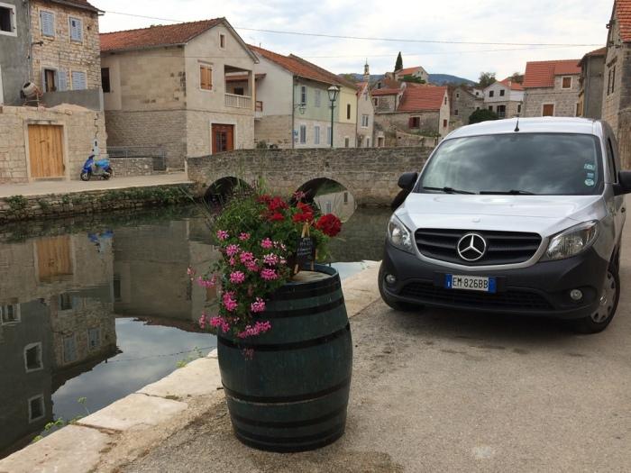 Parking in Vrboska