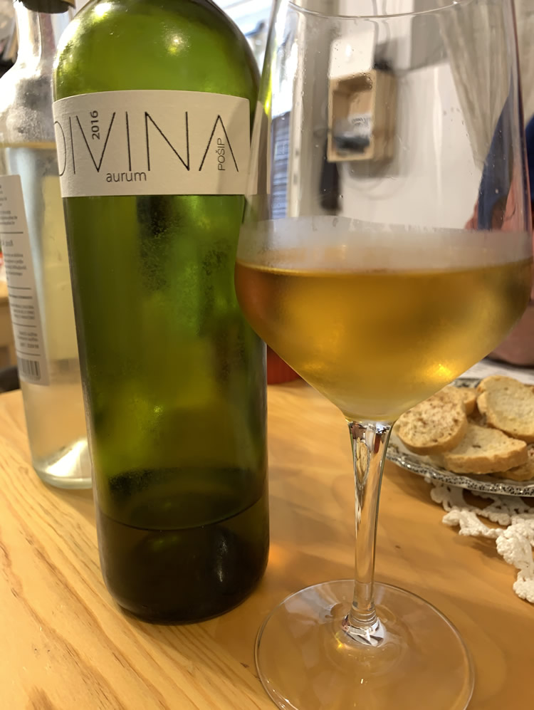 Divina Aurum orange wine