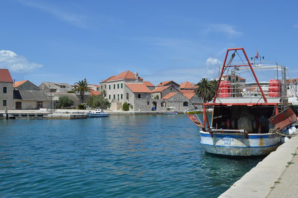 Sućuraj harbour