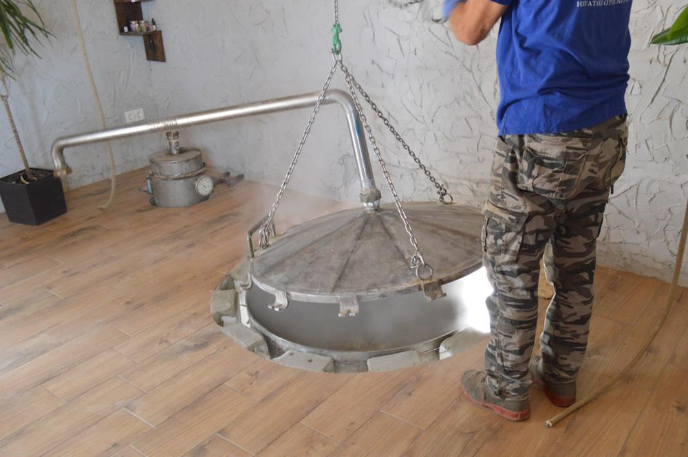 Smilje distillation 2