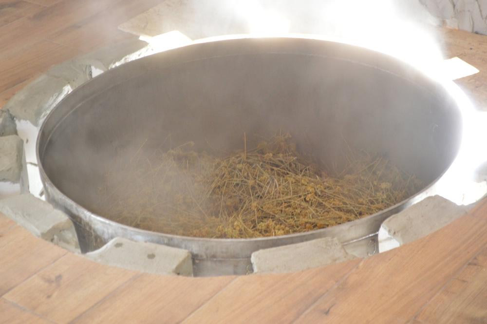Smilje distillation 3
